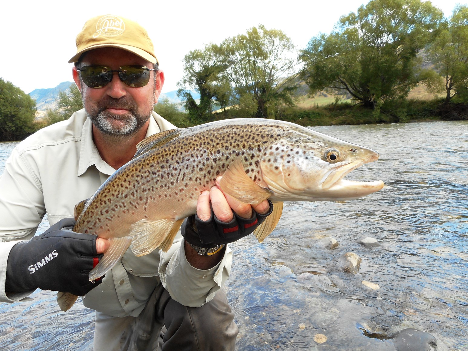 fly_fishing_Owen River Lodge, South Island, New Zealand